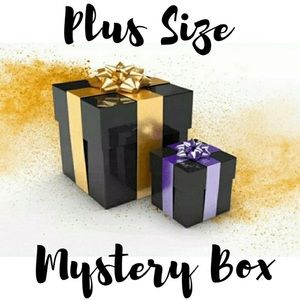 🔥NEW🔥 PLUS SIZE MYSTERY BOX! CLOTHING IS NWOT!